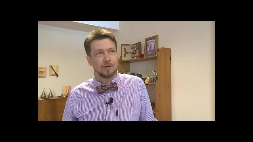 Video Klasické pánské holení popisuje Robert Hájek