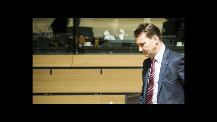 Video Sikorski viní z odposlechů organizovaný zločin