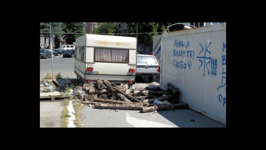 Video Při střetech v kosovské Mitrovici bylo zraněno 23 lidí