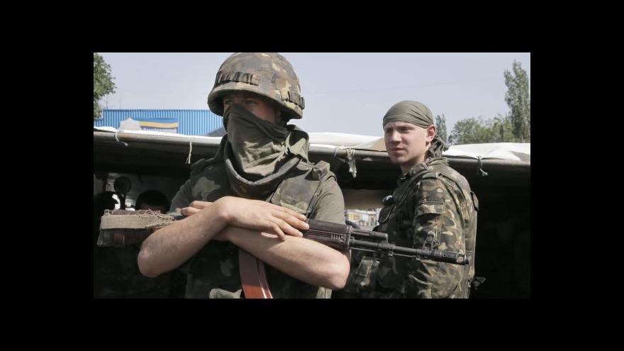 Video Příměří na Ukrajině prý porušují obě strany