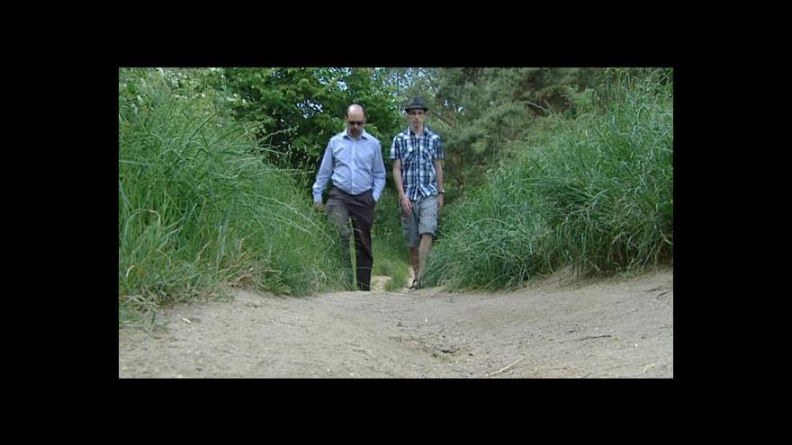 Video Cestu do dospělého života dětem z domovů ukazují patroni