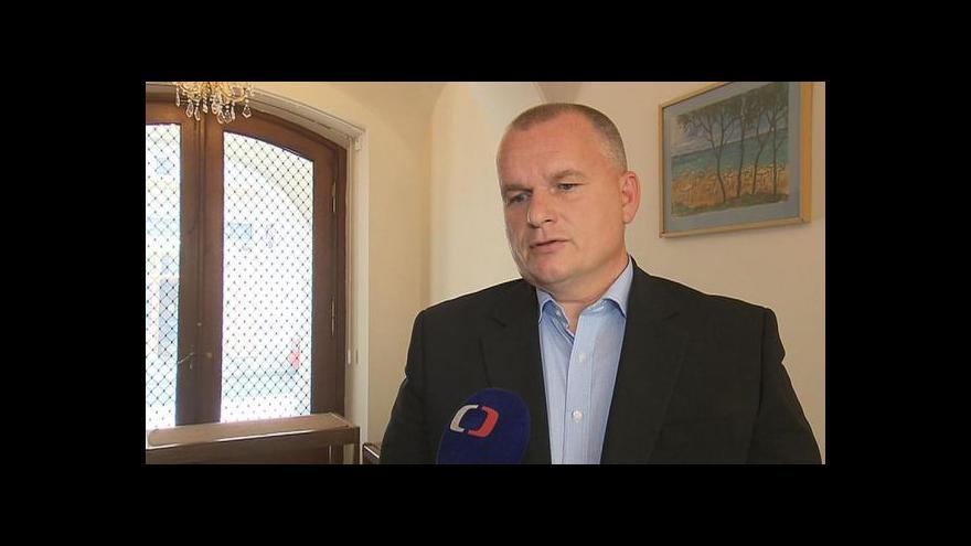 Video Schwarz: Nemělo zůstat u stíhání malých ryb