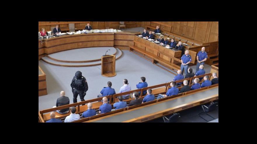 Video Člen Švábova gangu odmítl podíl na vraždách, ostatní tvrdí opak
