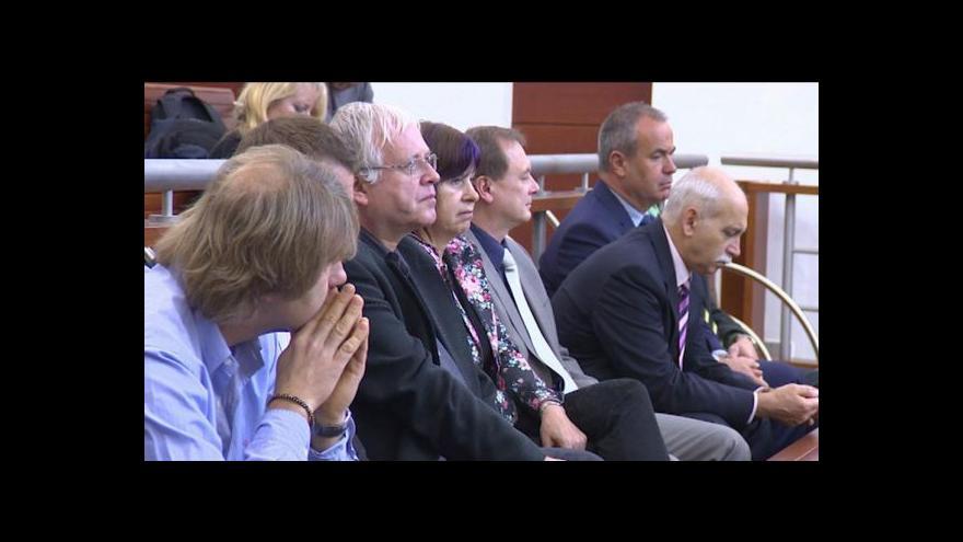 Video Průlomový verdikt za nelegální pobírání odměn
