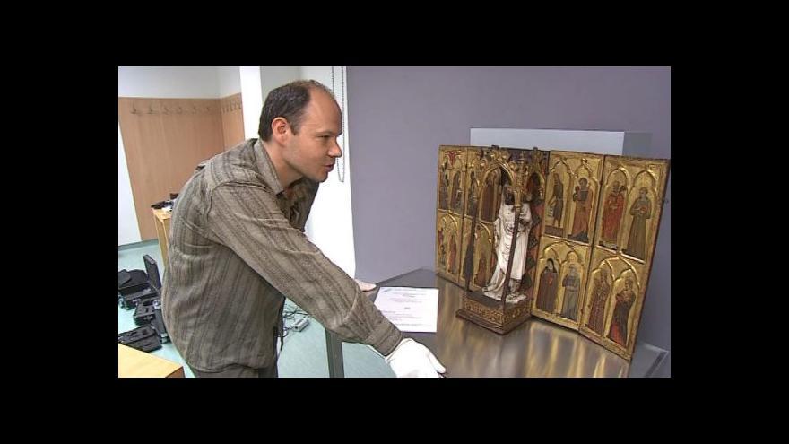 Video Vzácný oltářík popisuje restaurátor Igor Fogaš