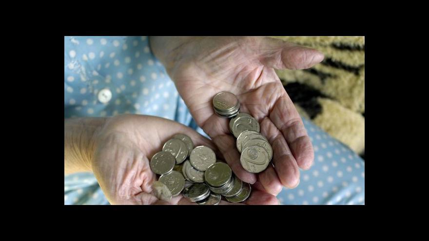 Video Důchodci dostanou přidáno, poslanci jsou PRO