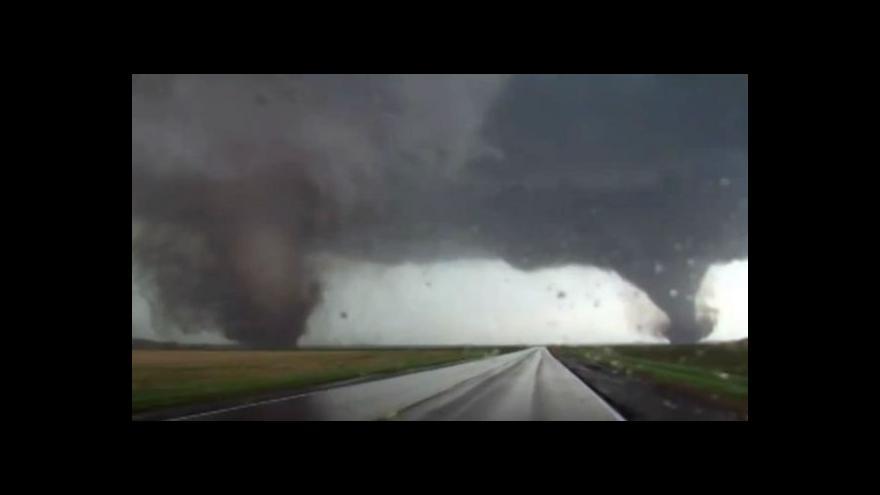 Video Bez komentáře: Nebraskou se prohnala dvě tornáda