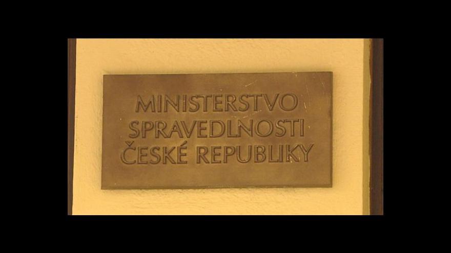 Video Spor Válkové a Šterna přerostl zdi ministerstva