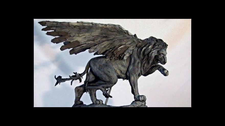 Video Převoz sochy okřídleného lva na pražský Klárov (16.6.)