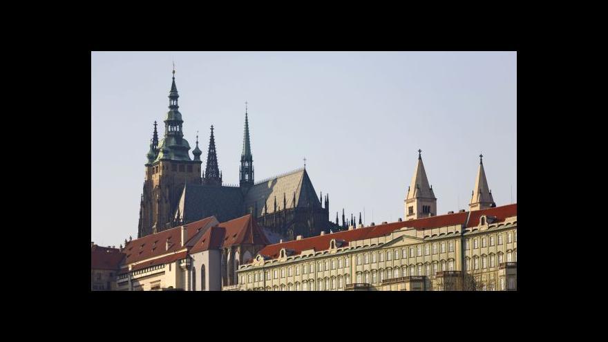 Video Úctyhodných 670 let. Svatovítská katedrála narozeninová