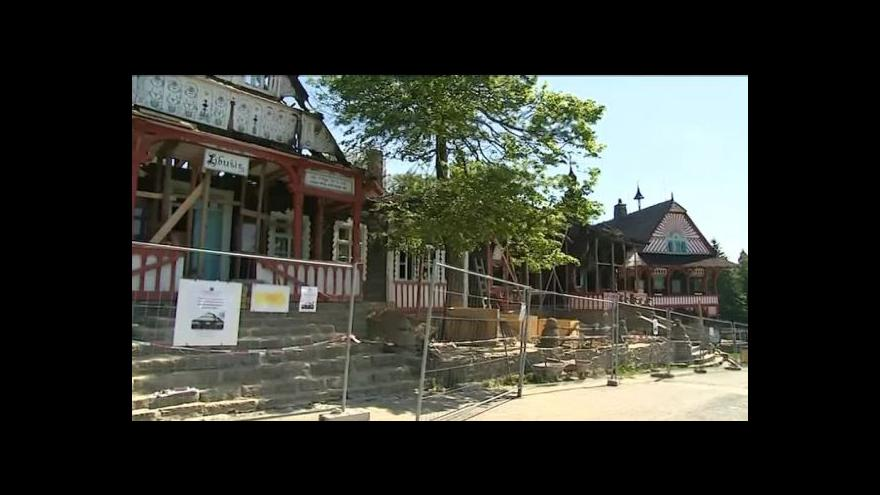 Video NO COMMENT: Nová střecha pro Libušín