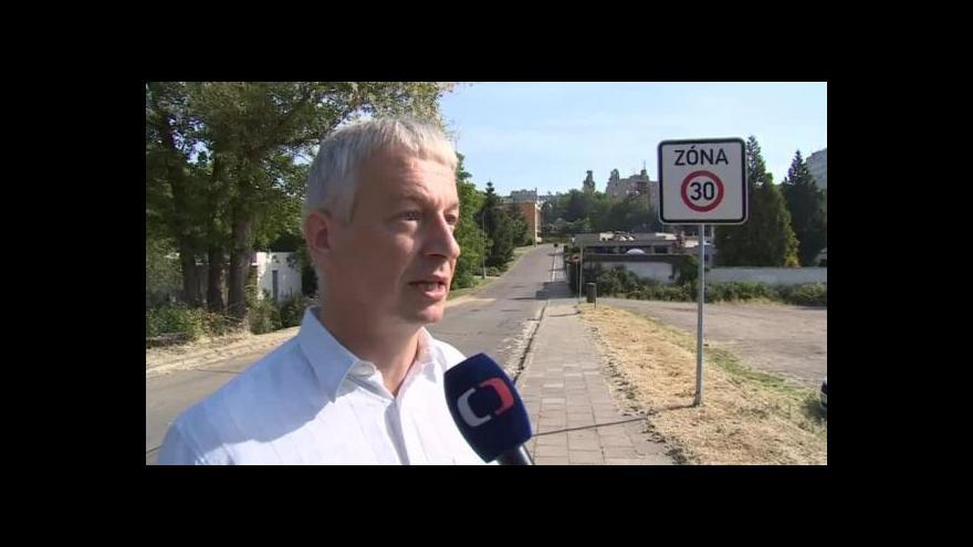 Video Dopravní expert Pavel Skládaný o zpomalovacích opatřeních