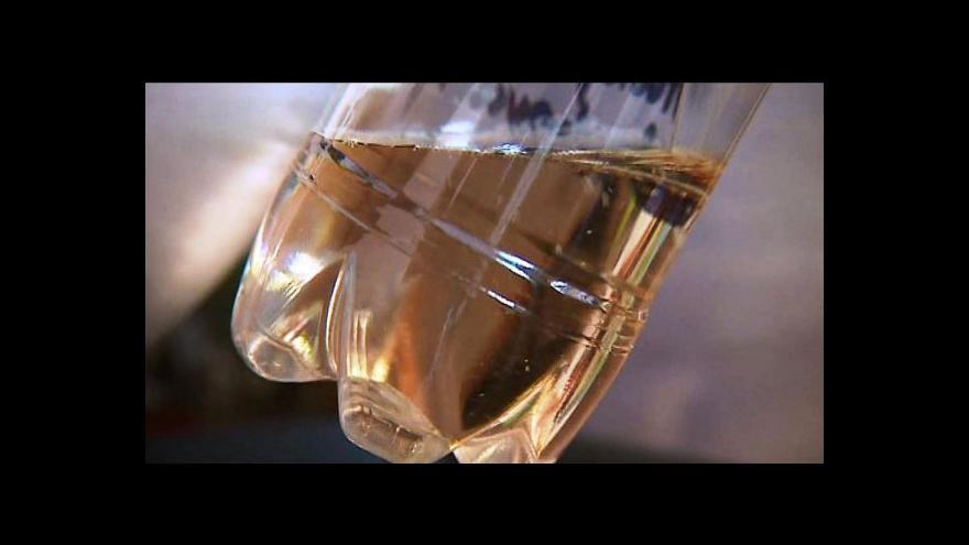 Video Sudové víno? Při kontrole neobstál každý druhý vzorek