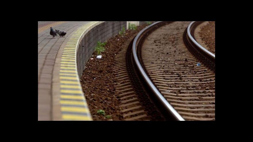 Video Libeňským nedá hluk z nádraží spát