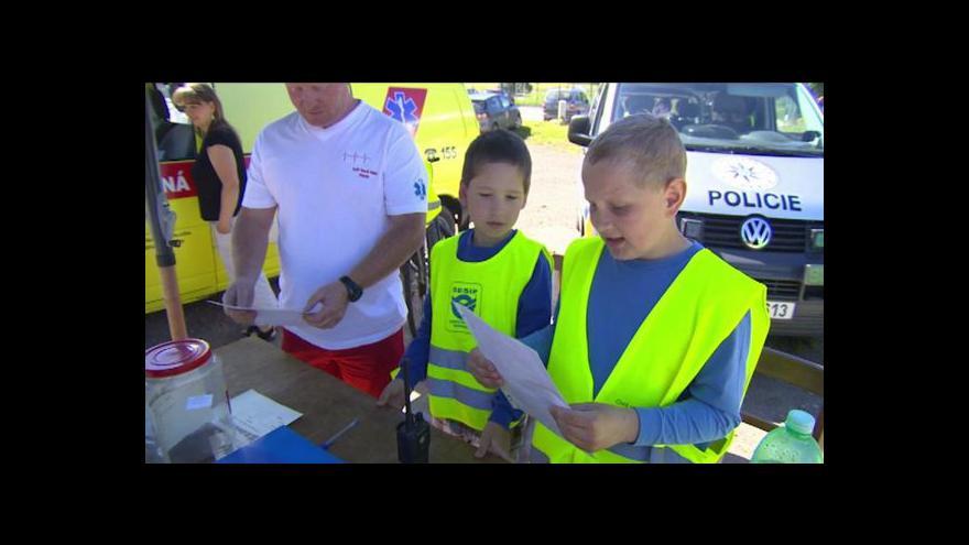 Video Netradiční dopravní kontroly - policistům pomáhaly děti