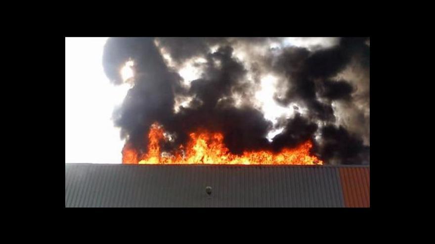 Video Solární panely se obtížně hasí, varují hasiči