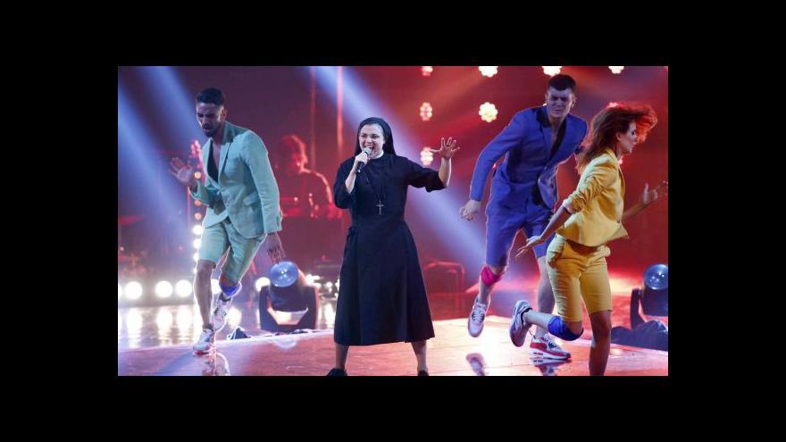 Video Itálii okouzlila zpívající jeptiška