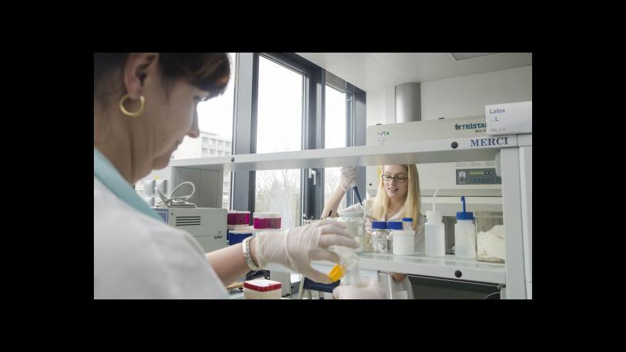 Video Testovací sadu popisuje lékařka Martina Lengerová