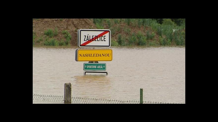Video Zálezlice rok po povodni