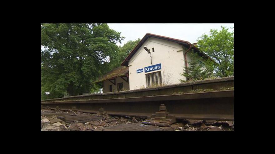 Video Krounské nádraží chátrá, převést však nelze