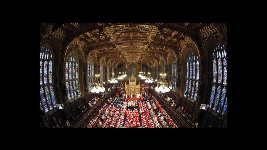 Video Alžběta II. přednesla projev na úvod zasedání parlamentu