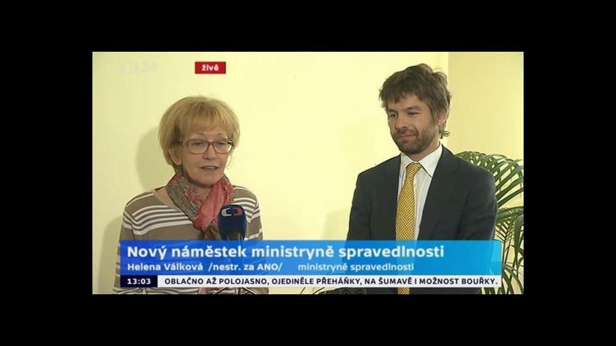 Video Brífink ministryně spravedlnosti Válkové a jejího nového náměstka Pelikána