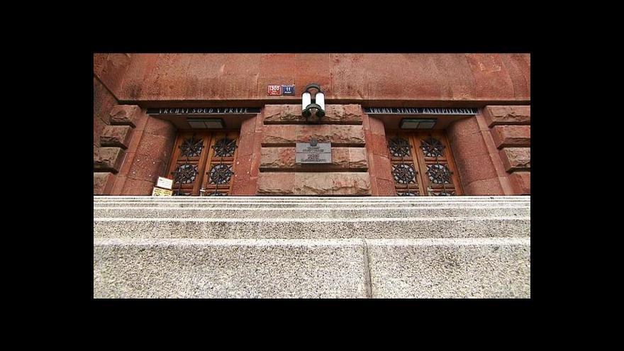 Video Zeman: Státní zástupci čelí politickým tlakům lépe než soudci