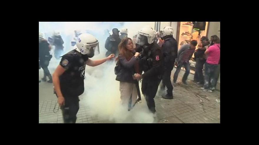 Video Demonstrace v Turecku potlačila policie