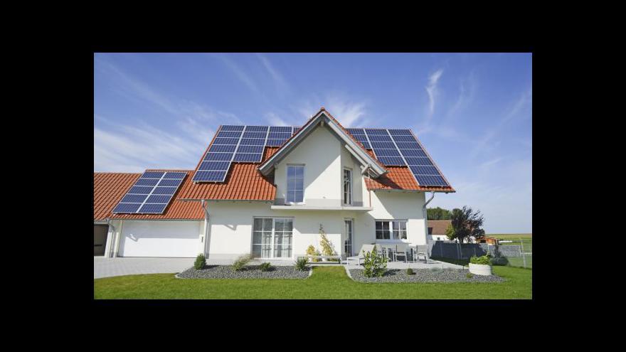 Video Kdo má soláry na střeše, nemá nárok na dávky v nezaměstnanosti