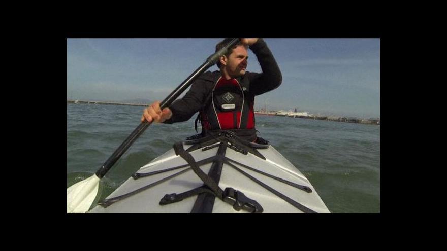 Video Američan vymyslel skládací kajak