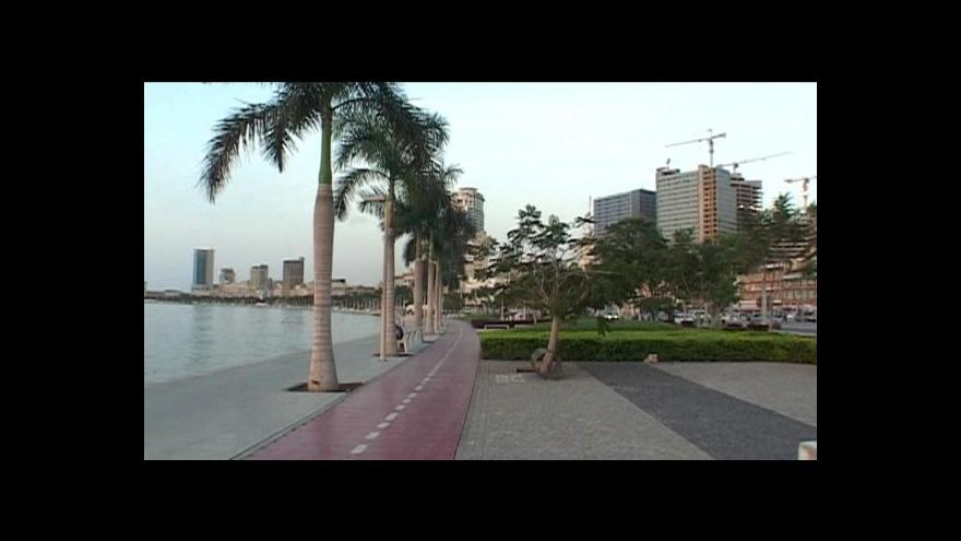 Video Lesk a bída angolské metropole