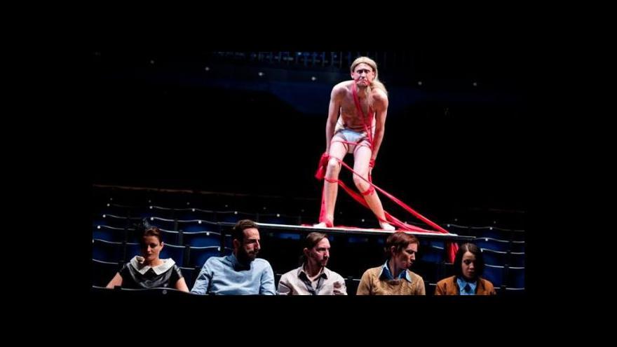 Video Kafka prošel ve Švandově divadle Proměnou