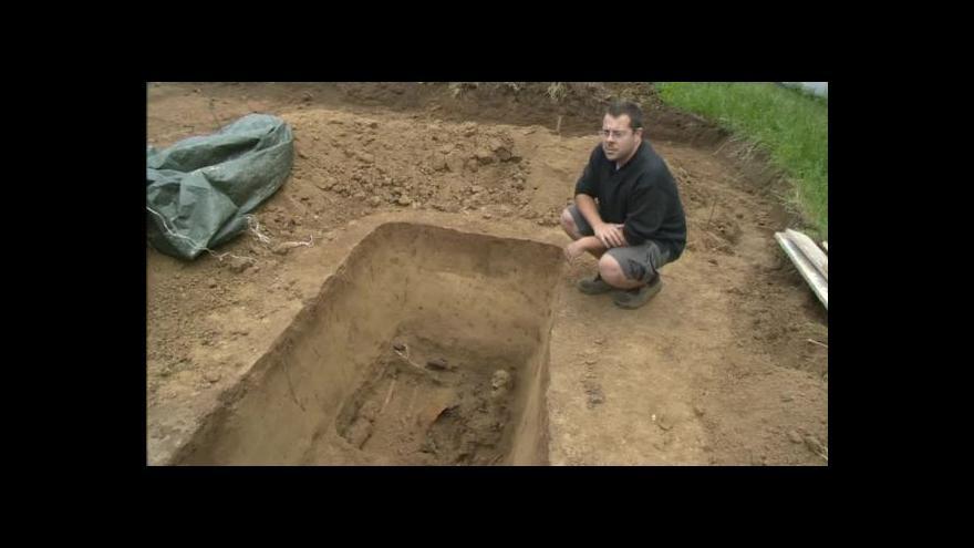 Video Hrob německých vojáků popisuje archeolog Jiří Kala