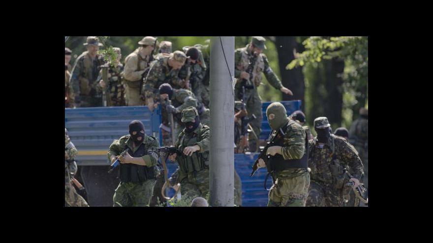Video Politolog: Anexe východu Ukrajiny se teď Putinovi nehodí