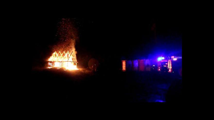 Video Požár likvidovaly tři hasičské jednotky