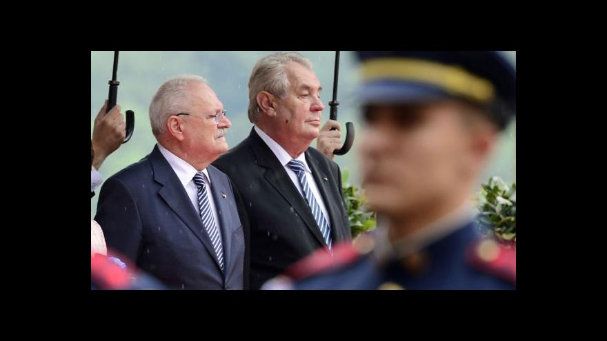 Video Gašparovič se rozloučil ve funkci prezidenta se Zemanem