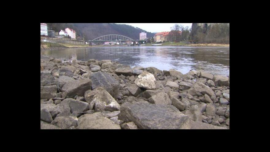 Video Labe v Ústí hlásí největší sucho v historii měření
