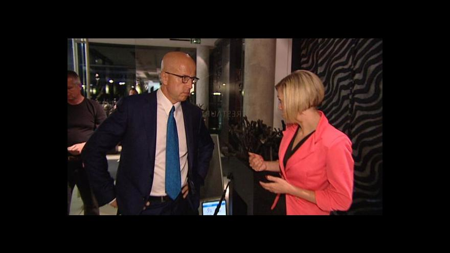 Video Diskuze o budoucím eurokomisaři se ostře rozjíždí