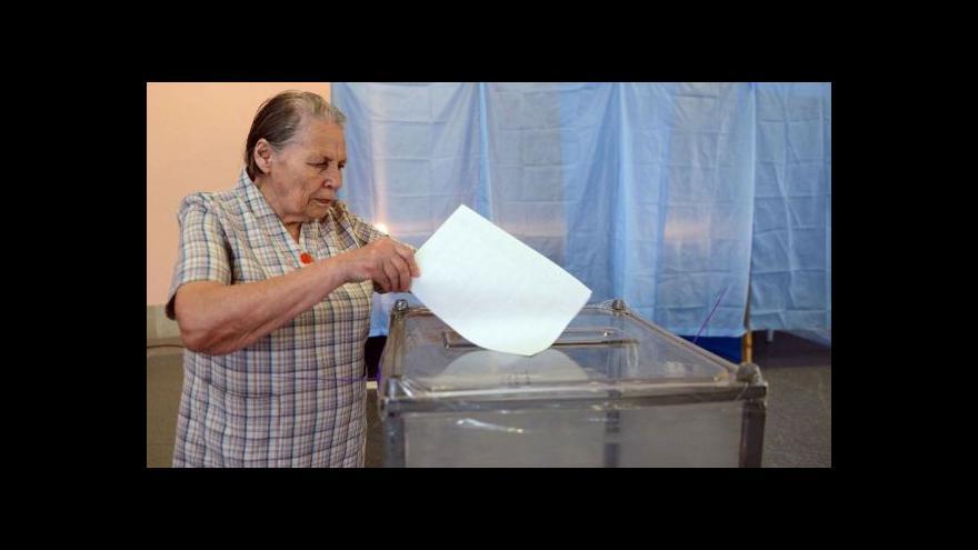 Video Ukrajinské volby: Velký zájem v Kyjevě, bojkot na východě
