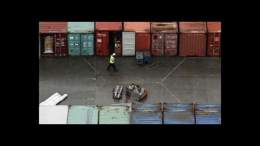 Video Na předměstí Londýna roste obří přístavní terminál