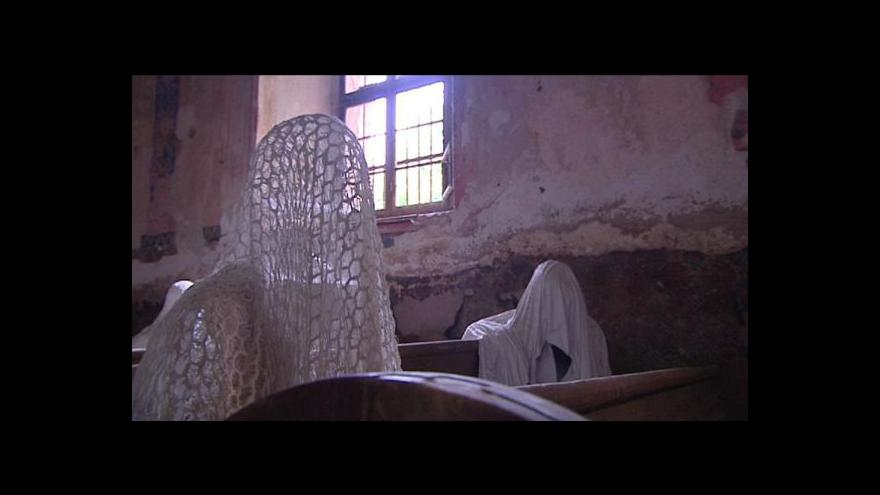 Video Duchové sudetských Němců zachraňují kostel