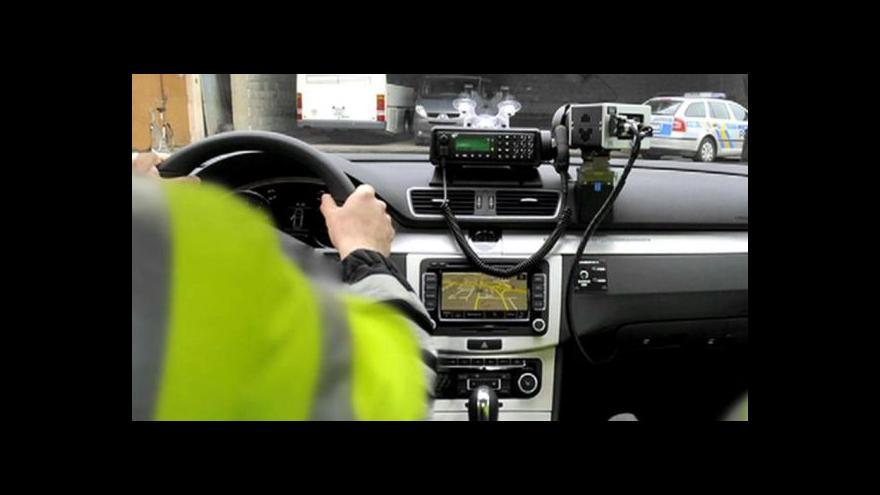 Video Kamery v policejních vozech tématem Událostí ČT