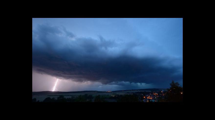 Video Po horku přijdou bouřky