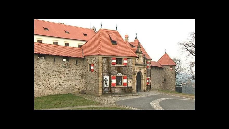 Video Stát nevydá Bouzov Německému řádu