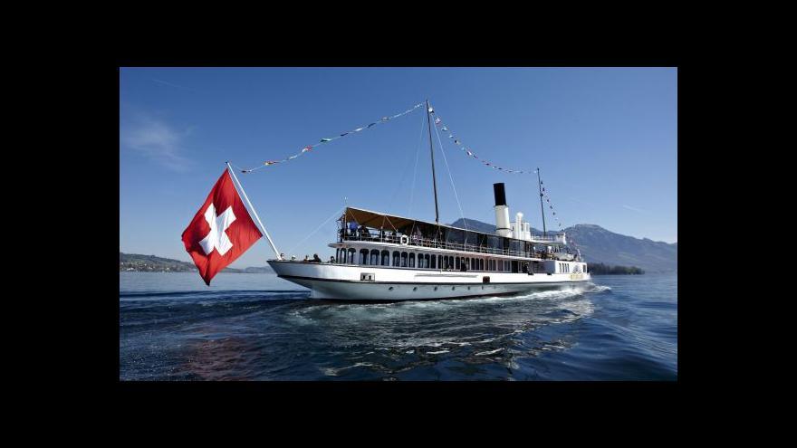 Video Švýcarská banka přiznala daňové úniky