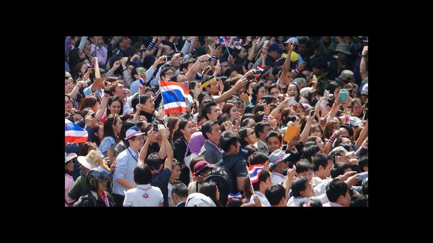 Video Hupcej: Turisté by se měli vyhnout demonstracím, jinak život v Thajsku omezen není