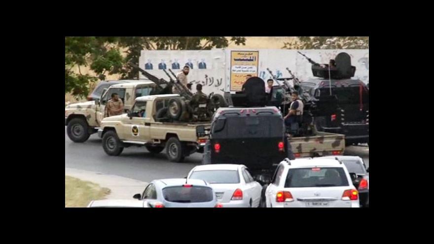 Video Milice obsadily parlament, libyjská vláda mluví o puči