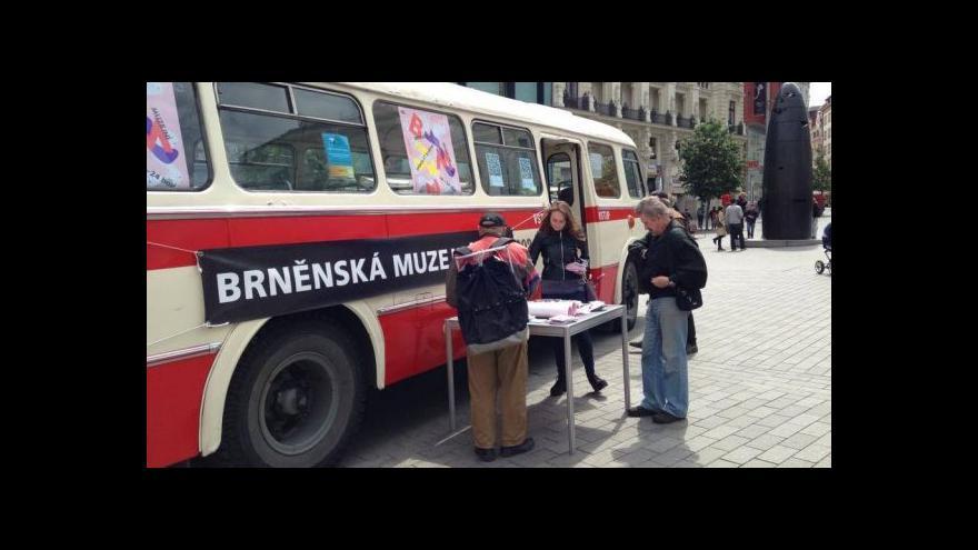 Video Ponocující muzea lákají Brňany