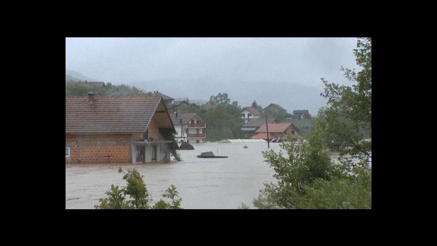 Video Záplavy postihly Slovensko, bez proudu jsou tisíce domácností