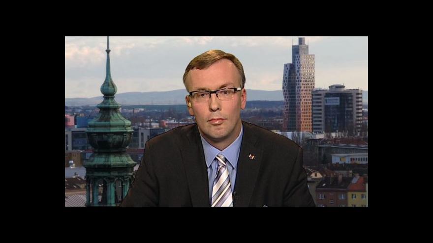 Video Hýsek: 14 krajů je pro ČR velký nadstandard